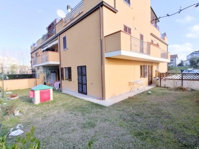 occasione vendita appartamento Porto Recanati due camere giardino postoauto garage