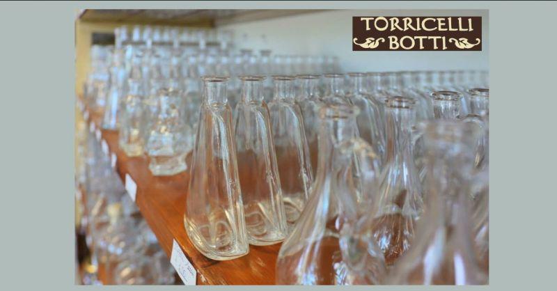 Offerta bottiglie in vetro varie forme Reggio Emilia - occasione vasi in vetro Reggio Emilia