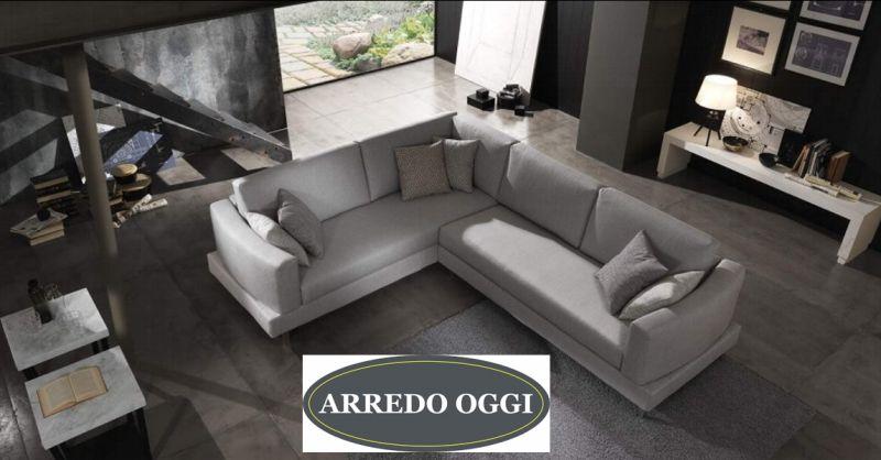 offerta vendita divano angolare in tessuto caserta - occasione divano con penisola napoli