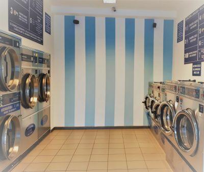 promozione lavanderia automatica con asciugatura rapida sempre aperta a prato zona soccorso