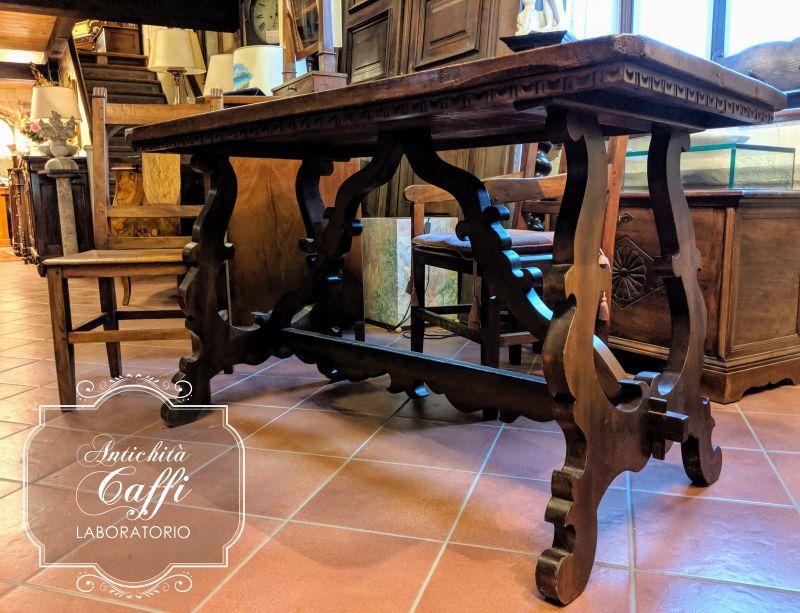 LABORATORIO ANTICHITA CAFFI offerta tavolo stile fratino gambe a lira rovere toulipier lucido