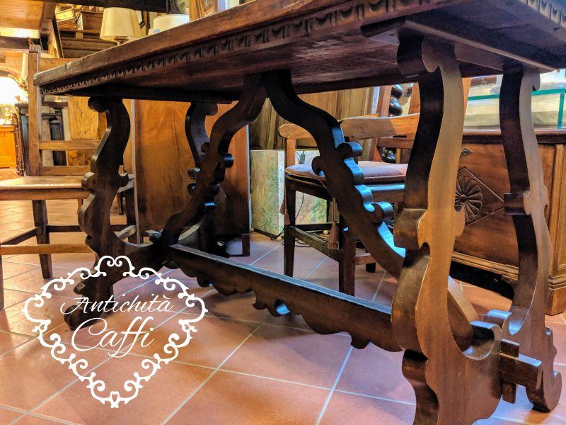 ANTICHITA CAFFI offerta tavolo stile fratino gambe a lira legno di rovere toulipier lucido
