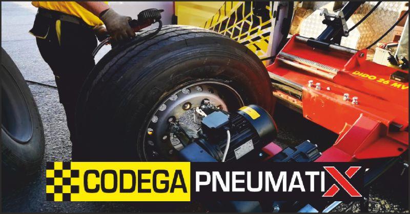 offerta assistenza cambio gomme - occasione interventi pneumatici su strada massa carrara