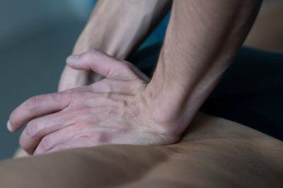 osteopatia e benefici sulla dismenorrea