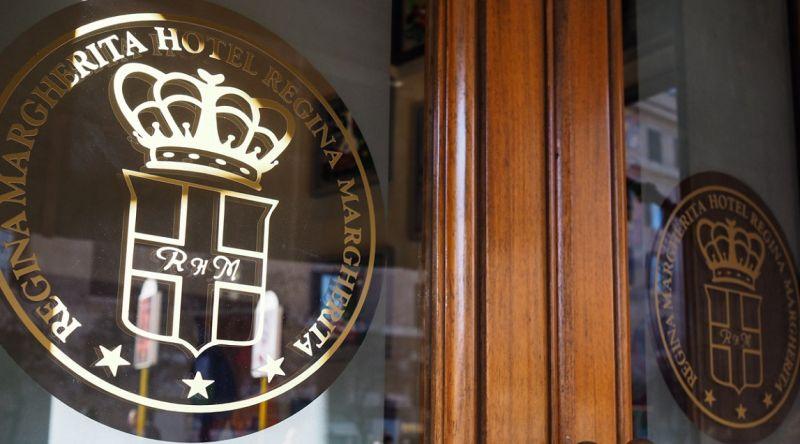 Hotel Regina Margherita - Occasione Hotel B&B vicino Stazio Tiburtina con Suite e idromassaggio