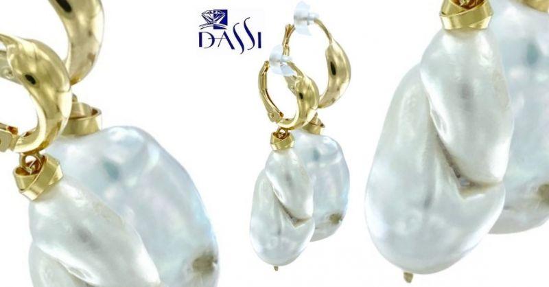 DASSI Gioielli - Offerta orecchini pendenti argento dorato 925 e 2 perle scaramazza Pezzi Unici