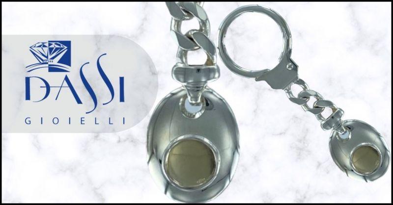 DASSI Gioielli - Portachiavi argento 925 ciondolo ovale e placca oro 18kt incisione proprio logo
