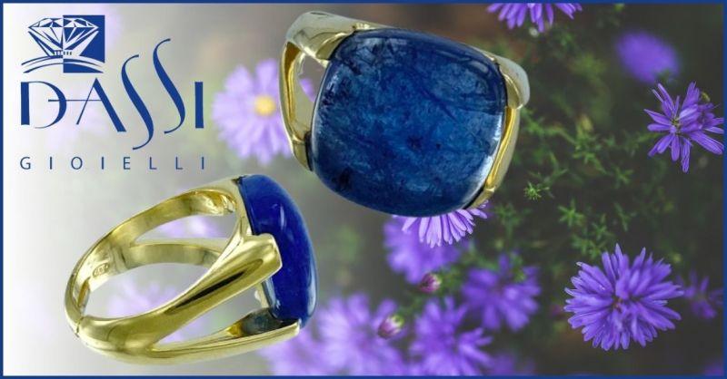 DASSI Gioielli - Occasione anello iargento dorato con preziosa tanzanite azzurra viola quadrata