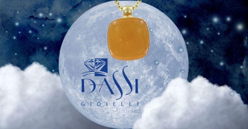 Offerta vendita online girocollo argento dorato con ciondolo a nudo con corniola taglio carré