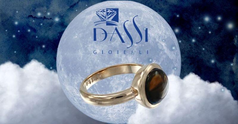 Trova la migliore offerta online anello in argento dorato con quarzo fumé incassato a cipollina