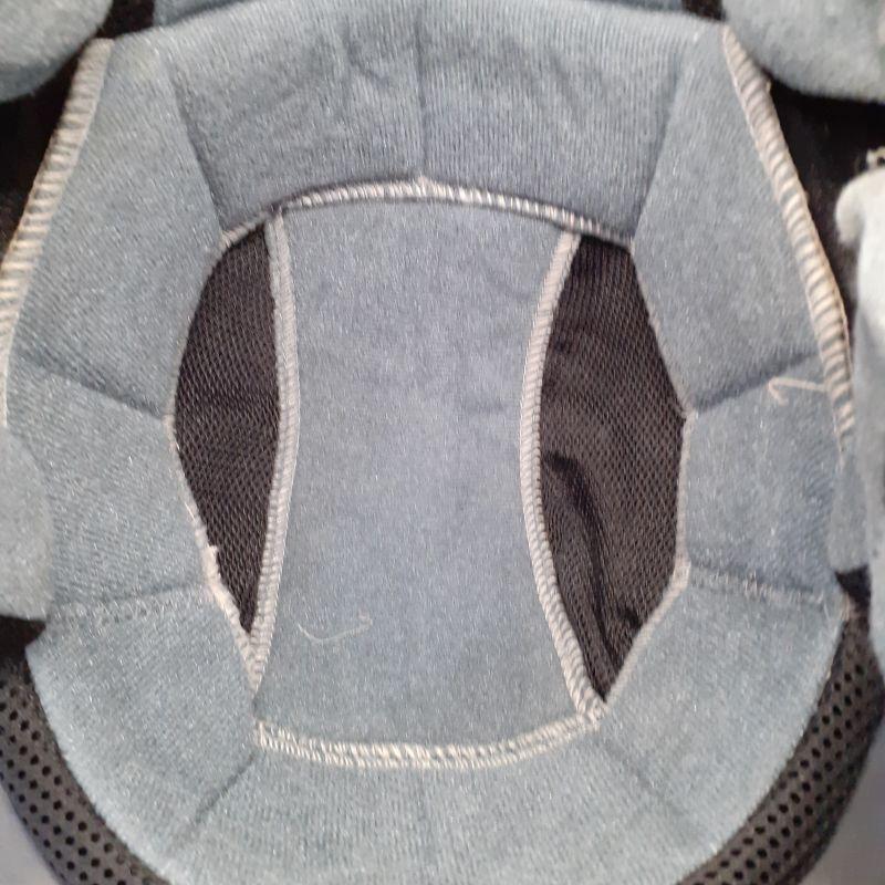 Lavaggio pulizia e sanicazione caschi guanti e tute moto
