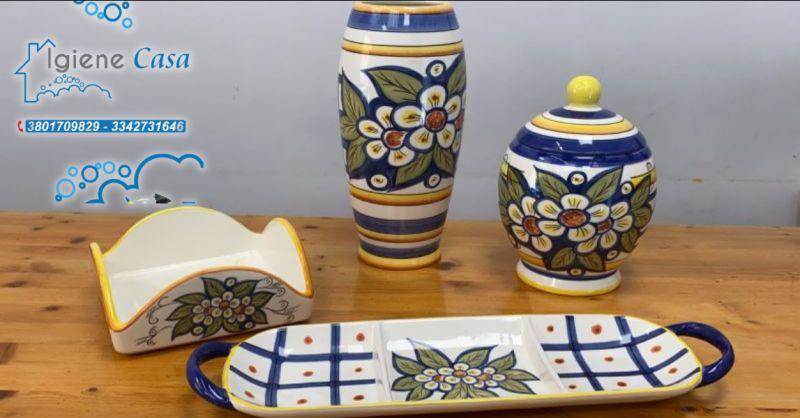 Offerta vasi e biscottiere Vittoria - occasione antipastiere e portatovaglioli in ceramica