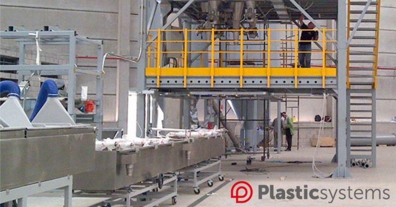 Plastic Systems S.r.l. - Italiens führender Hersteller von Kunststoffverarbeitungsmaschinen