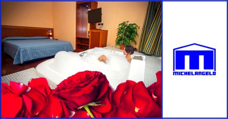 offerta prenotazione hotel con suite romantica - occasione hotel con jacuzzi in camera Terni