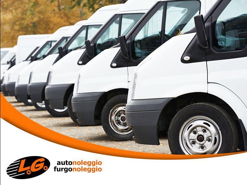 offerta noleggio furgoni traslochi - promozione noleggio mezzi trasporto