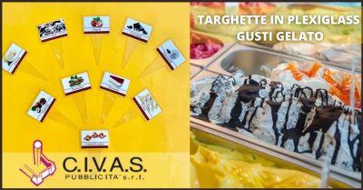 targhette e etichette in plexiglass personalizzate per attivita commerciali lucca