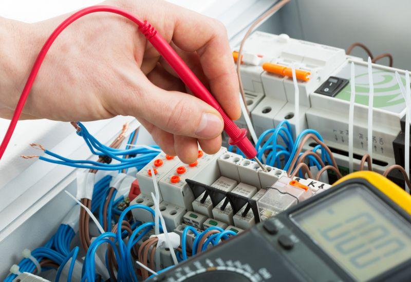 Offerta progettazione impianti elettrici civili - Installazione impianti industriali Verona
