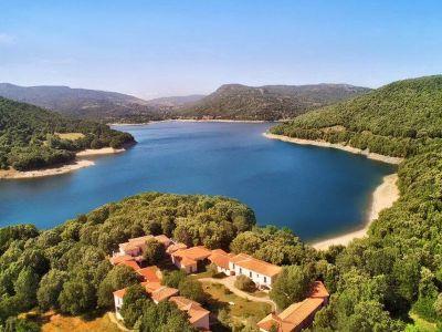 lago di gusana hotel taloro