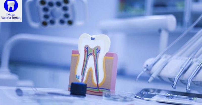 Dottoressa Valeria Tomat offerta chirurgia orale - occasione trattamenti per denti Udine