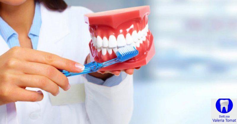 Dottoressa Valeria Tomat occasione visita odontoiatrica - offerta igiene cavo orale Udine