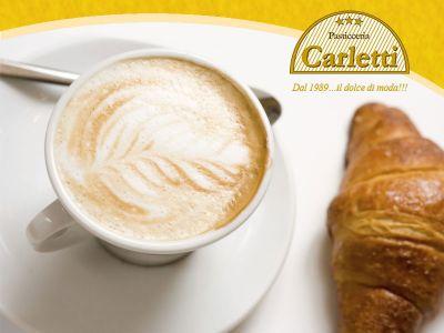 offerta colazione al bar promozione cornetto caffe cappuccino pasticceria carletti