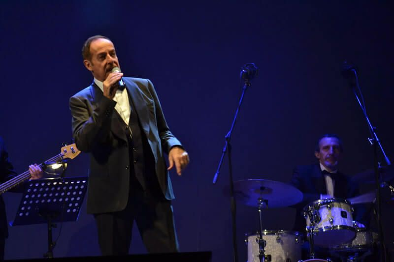 Spettacolo teatrale massimo lopez sing and swing a cosenza