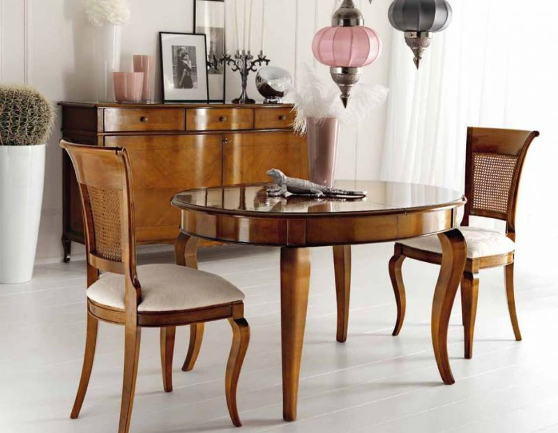 Credenza due ante con tavolo ovale allungabile in offerta speciale