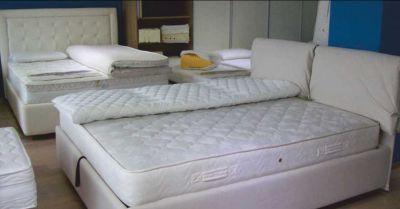 vendita letti contenitore con cuscini e topper