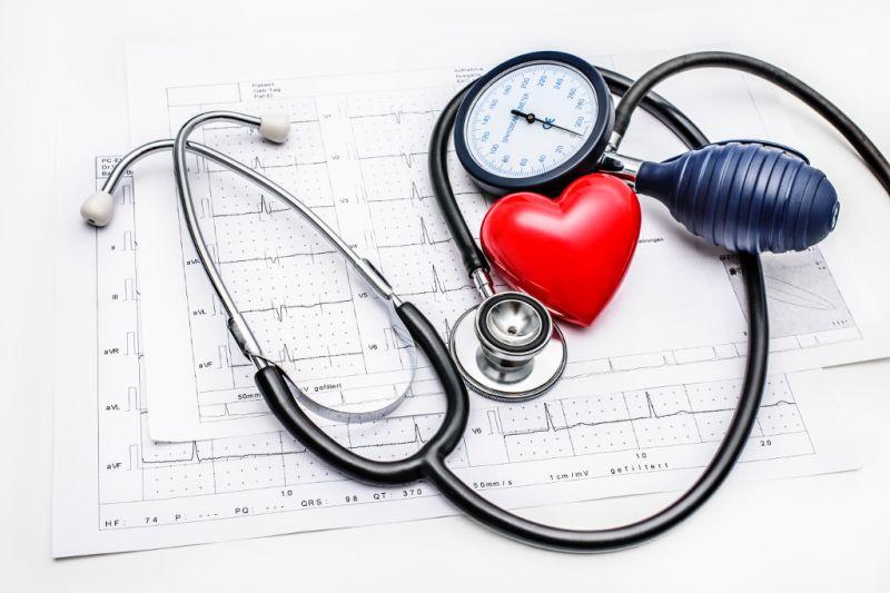 offerta elettrocardiogramma ECG farmacia - occasione misurazione pressione arteriosa