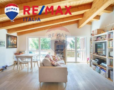 remax enterprise vende trilocale con balcone fronte mare promozione compro casa trieste