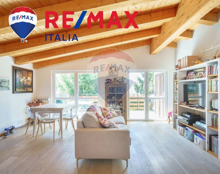 REMAX ENTERPRISE vende trilocale con balcone fronte mare – promozione compro casa trieste