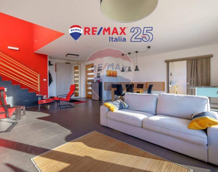 REMAX ENTERPRISE vende luminosa villa indipendente contovello giardino classe energetica b