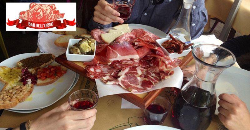 occasione pranzo cucina tipica toscana - offerta trattoria e bar in provincia di Siena