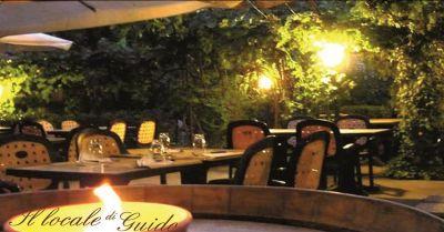 offerta ristorante con veranda estiva promozione pizzeria vicino al centro storico di siena