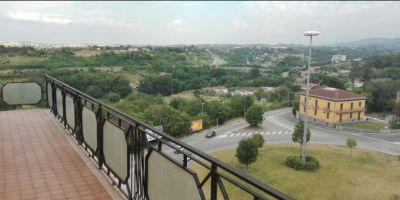 agenzia immobiliare centro propone in vendita appartamento via bucciano zona alta