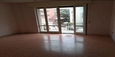 agenzia immobiliare centro propone in vendita appartamento via torretta zona alta zona alta