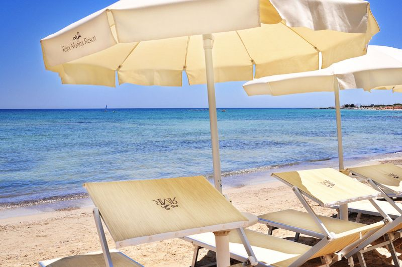 guki viaggi vai a carovigno ostuni riva marina resort