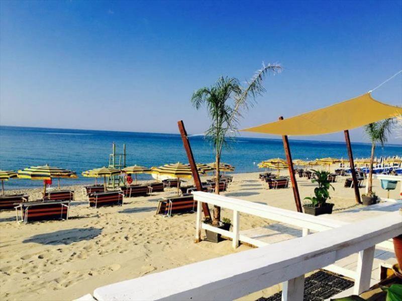 guki viaggi ti porta a cropani marina villaggio alemia 4