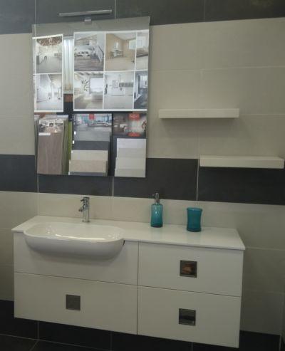mobile bagno completo vasca decentrata