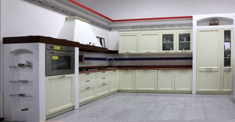 Offerta vendita cucina angolare classica Padova - occasione cucina ad angolo noce Padova