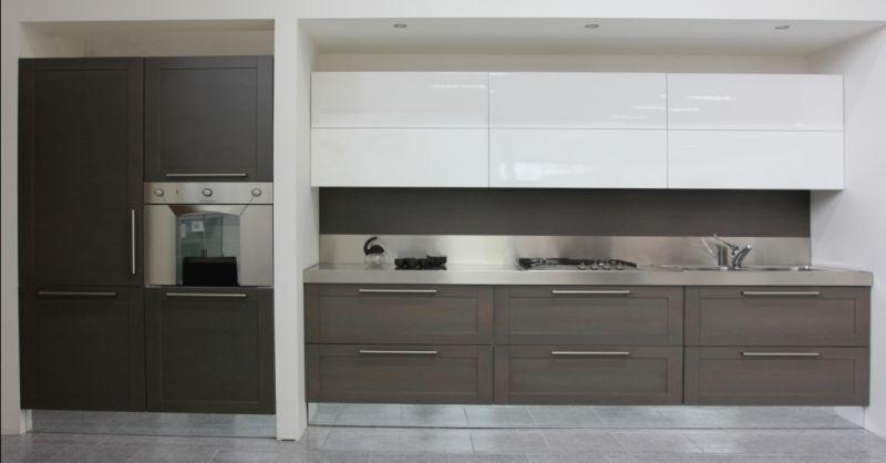 Offerta cucina lineare moderna Padova - promozione cucine colori neutri in offerta Padova
