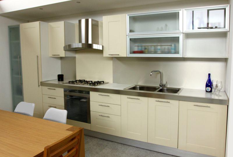 Occasione cucina lineare U817 artigianale laccato avorio PADOVA