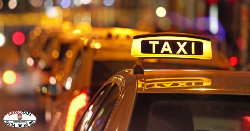 Radio Taxi offerta prenotazione servizio taxi - occasione trasporto passeggeri Pordenone
