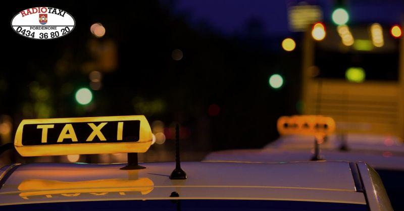 Radio Taxi offerta trasporto notturno - occasione servizio taxi affidabile Pordenone