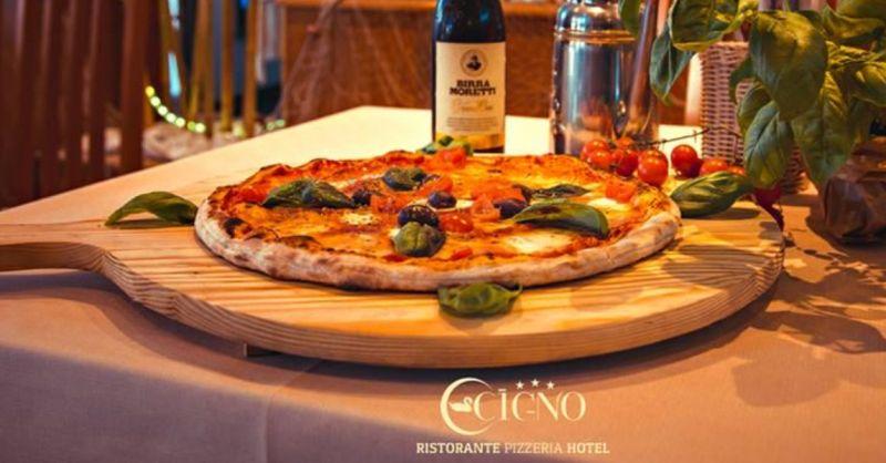 Pizzeria il Cigno offerta pizze da asporto - occasione servizio di consegna a domicilio pizza