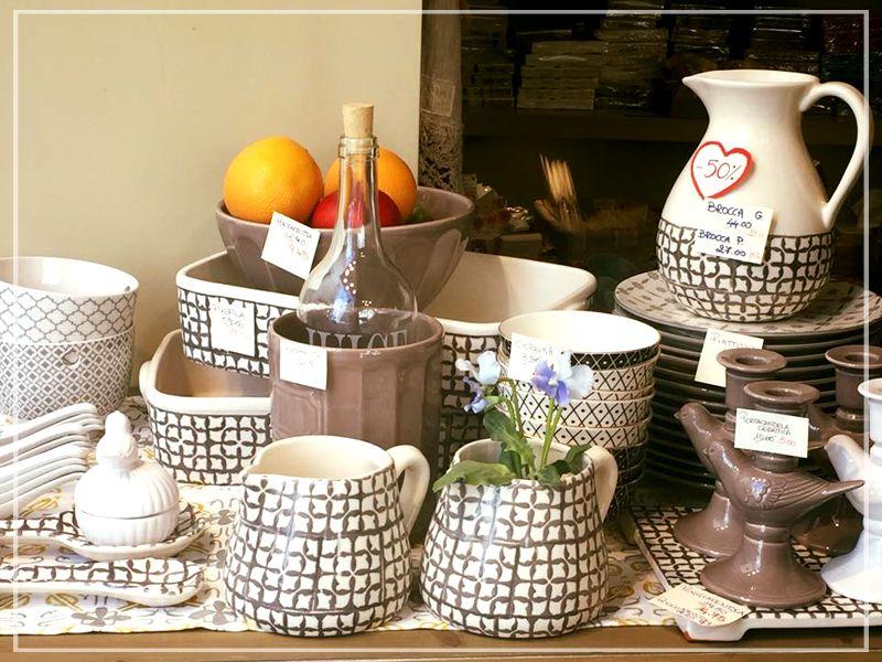 Offerta vendita vettovaglie color panna - Promozione distribuzione porta candela porcellana