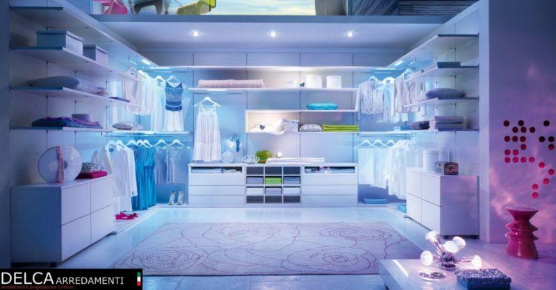 Delca Arredamenti occasione progettazione cabine armadio - offerta arredamento su misura Udine