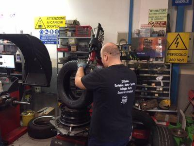 montaggio smontaggio e cambio gomme officina meccanica nissan garage via nova snc