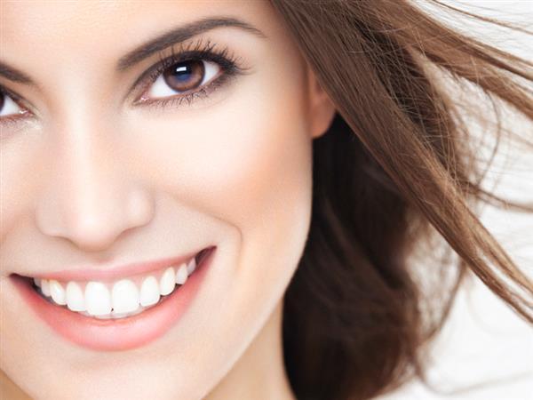 DENTAL MEDICAL ti aiuta ad avere un sorriso bello e sano. VIENI A TROVARCI!