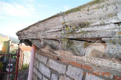restauro di un cornicione ad al 224 dei sardi olbia tempio